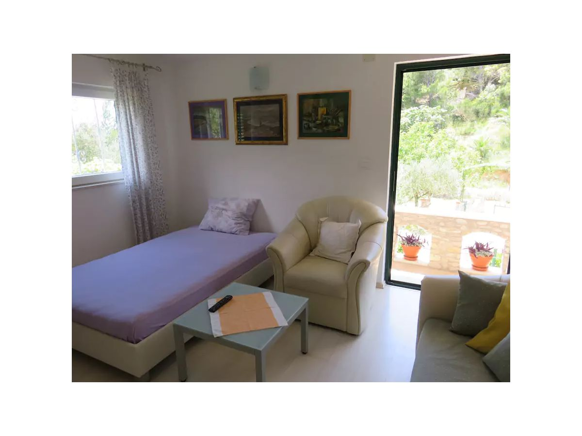ferienhaus ctma220 makarska firma croatia tours makarska d o o frau martina viskovic. Black Bedroom Furniture Sets. Home Design Ideas