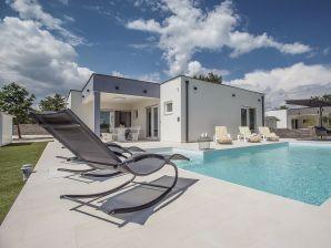 Villa 806