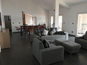 Holiday apartment Chantos