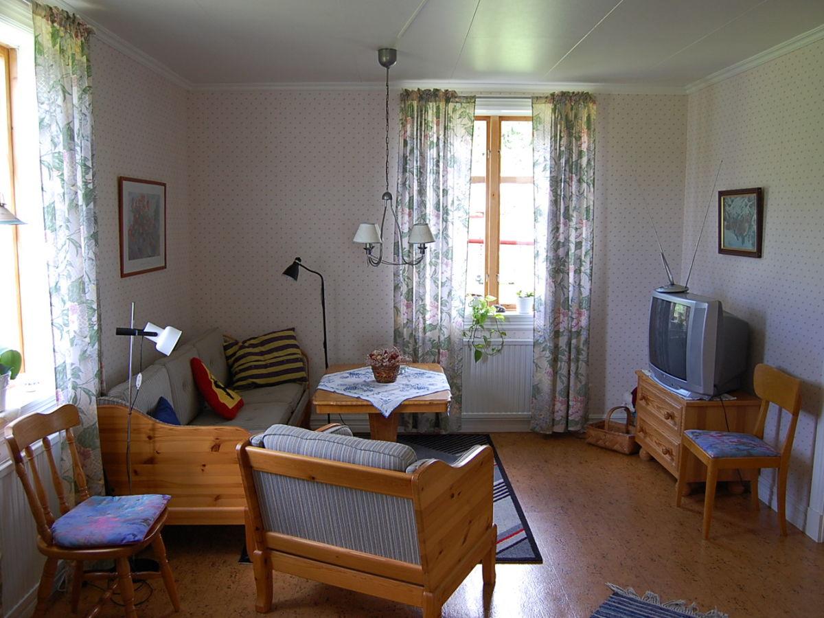 Sch nes gro es ferienhaus in sm land mariannelund frau d k beck - Fernseh zimmer ...