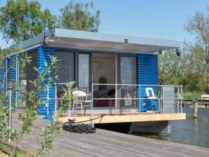 Hausboot Hafenresort Karnin