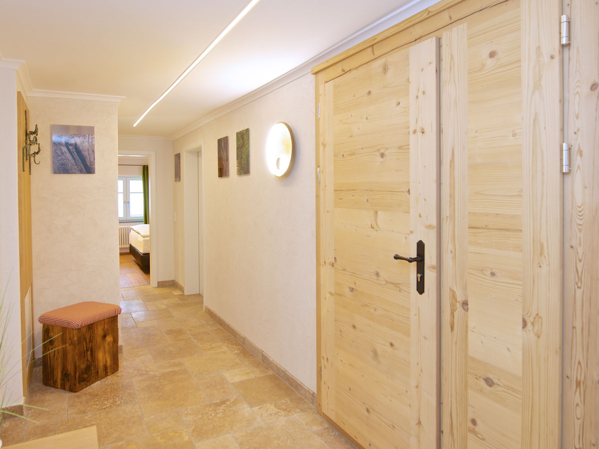 ferienwohnung chalet staufen oberstaufen firma kur und wellnesshotel hirsch herr marco. Black Bedroom Furniture Sets. Home Design Ideas