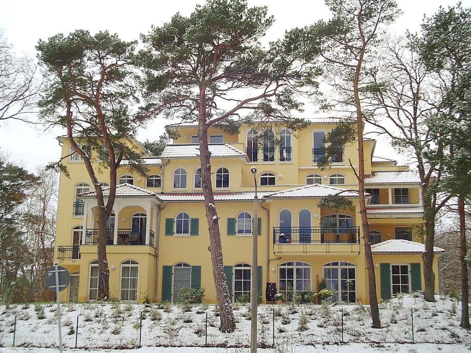 Ansicht des Hauses im Winter