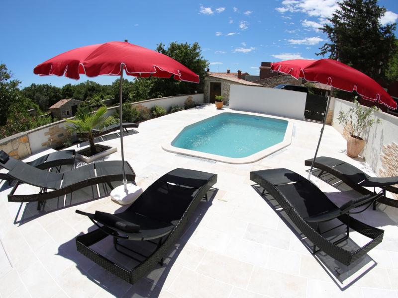 Ferienhaus Sunshine mit Pool
