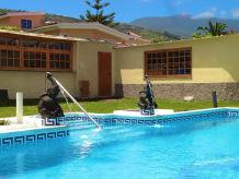 Holiday house Edle Villa & Pool - F5603