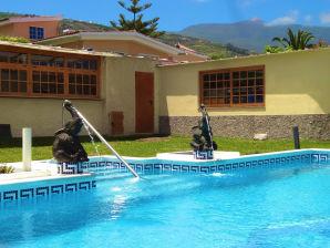 Ferienhaus Edle Villa & Pool - F5603