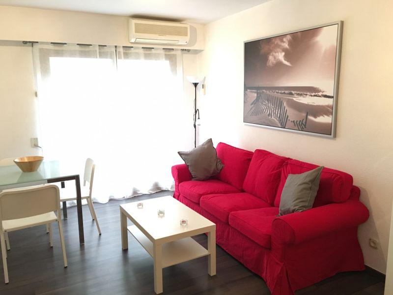 Holiday apartment Ayuntamiento 47