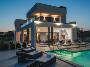 Villa Unique