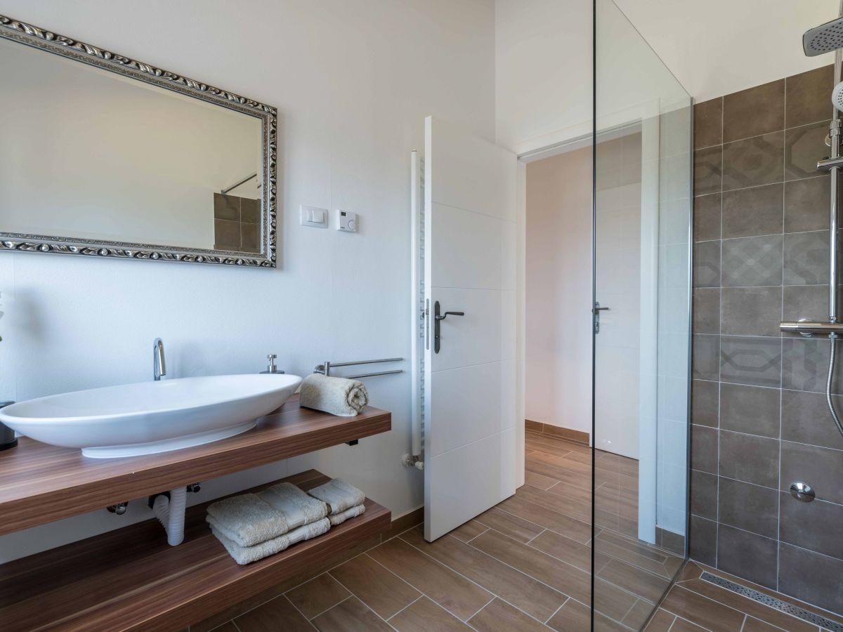 villa klara mar ana firma obrt za turizam bonsai herr ivan ugar. Black Bedroom Furniture Sets. Home Design Ideas