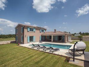 Villa 808