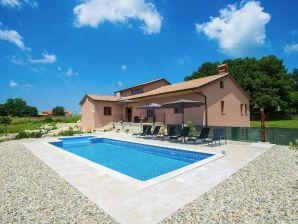 Villa Emini