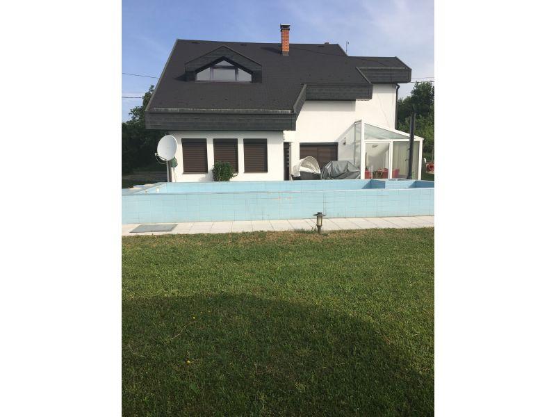 Ferienwohnung Luxeriöse Villa A&M