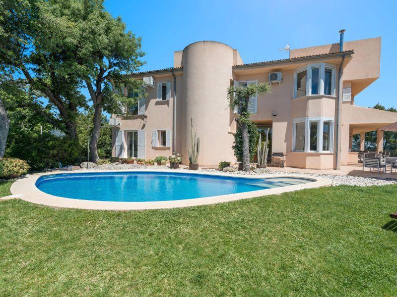 Villa Talaiot