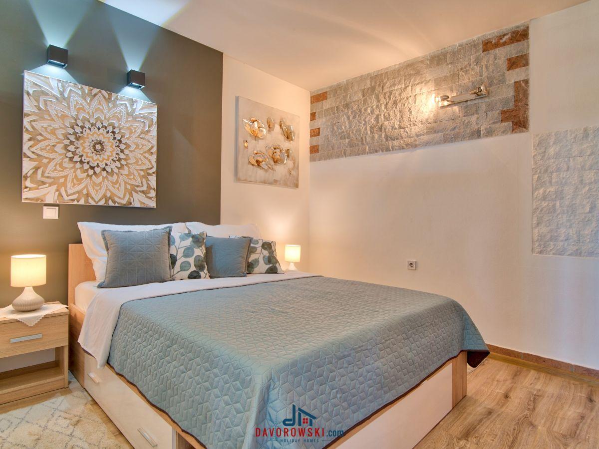 ferienhaus julian rovinj firma markovic vacation d o o herr davorin markovic. Black Bedroom Furniture Sets. Home Design Ideas