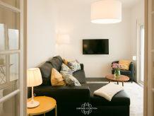 Apartment Santa Marta Pateo 64 by Lisbonne Collection