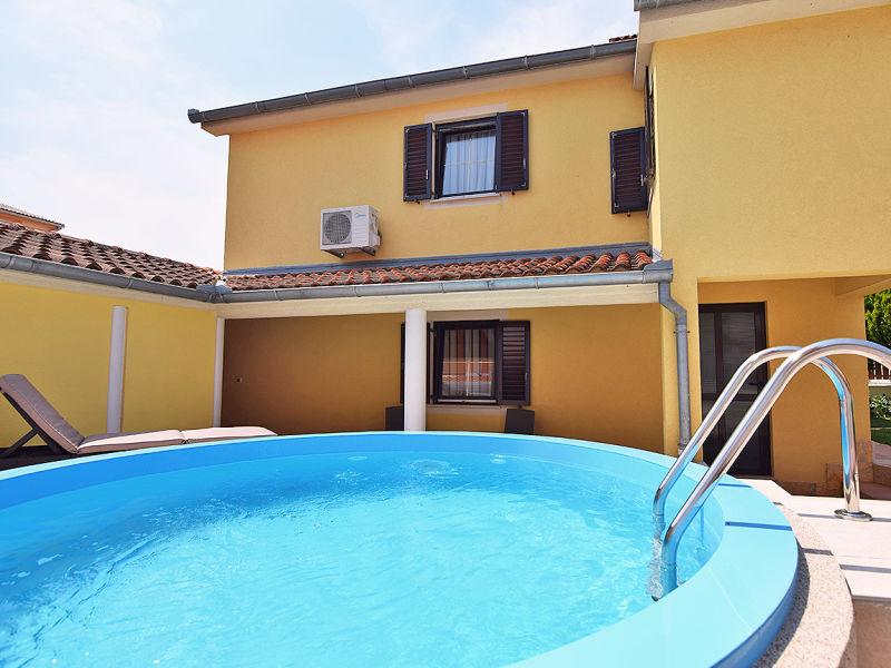 Ferienhaus Franka mit Pool für 5-6 Personen