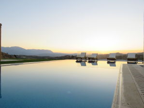 Luxuriöse Villa Kyparissi