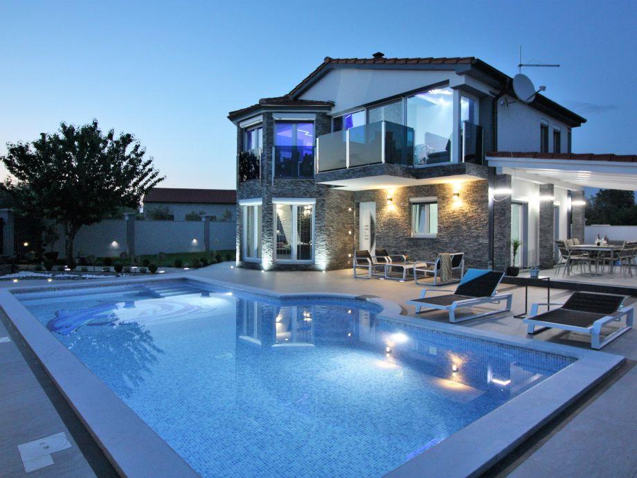 Neue und moderne Villa Blu