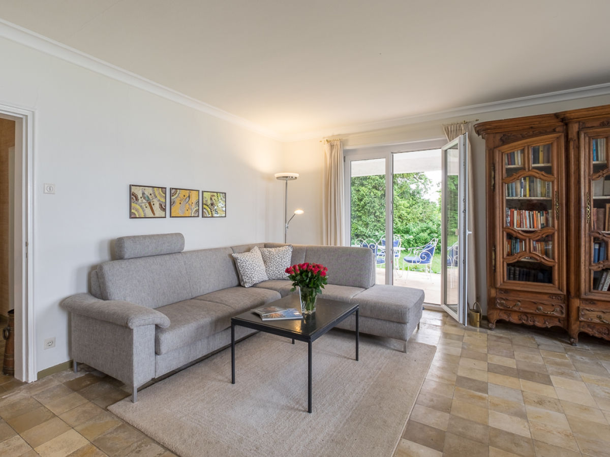 ferienhaus villa am see bodensee meersburg firma marx managt ferienwohnungen am bodensee. Black Bedroom Furniture Sets. Home Design Ideas