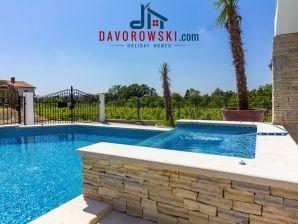 Ferienwohnung Villa Arta mit 65 m2 Pool und Jacuzzi - Apt. 3