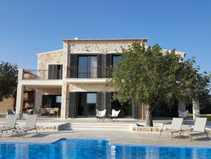 Ferienhaus Luxusvilla in naturschöner Einzellage, dicht zum Meer