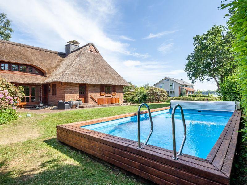 Landhaus 6- Raum- Ferienhaus REETselig am See mit Pool