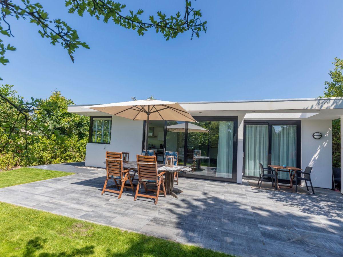 Ferienhaus horizon 35 renesse firma sorglos urlaub in zeeland frau lara koppenaal - Architekten bungalow ...