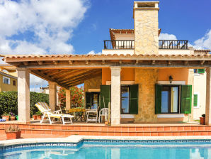 Ferienhaus mit Pool & Traum-Meerblick ID2660