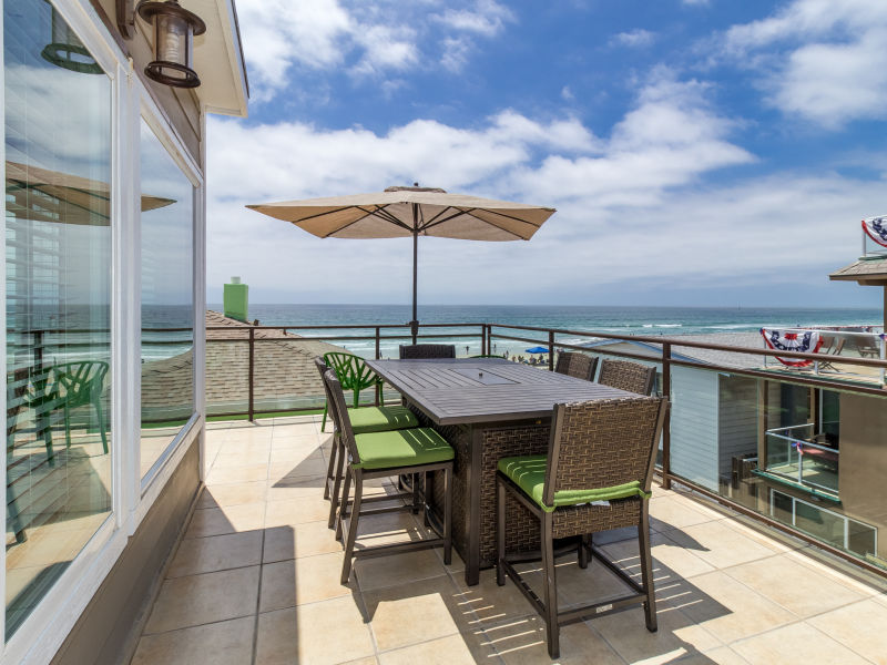 Holiday house #709-711 - Newly remodeled retreat w/ stunning views