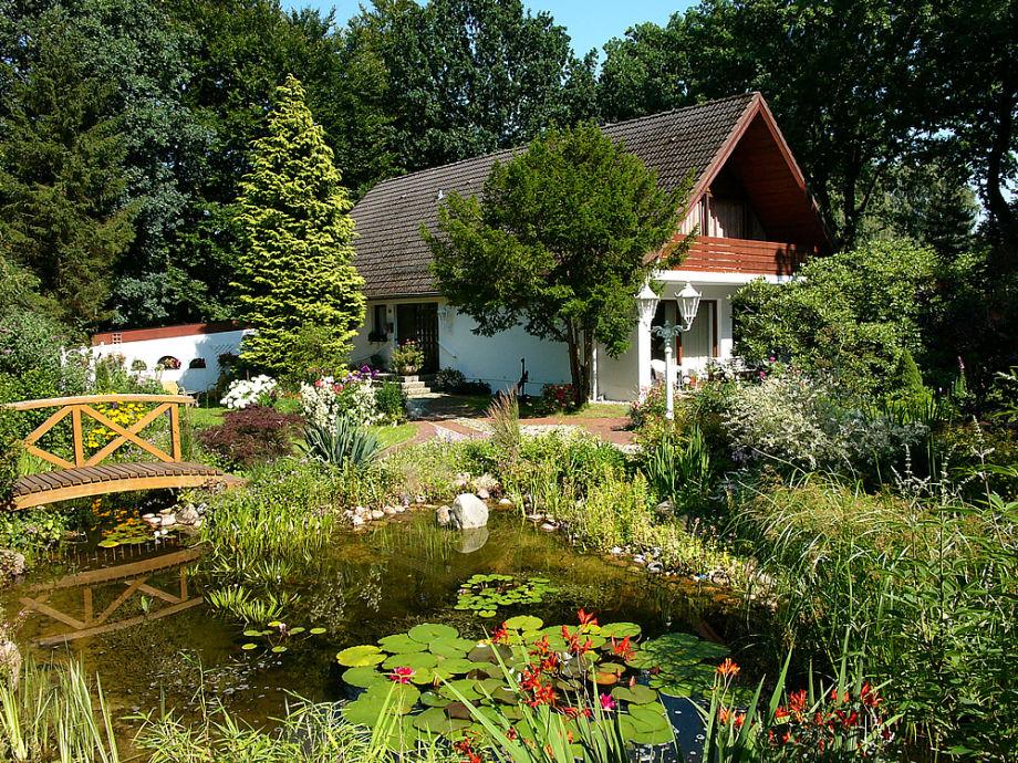 Unser Ferienhaus mit dem schönen Garten