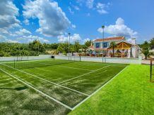 Villa Villa Mek