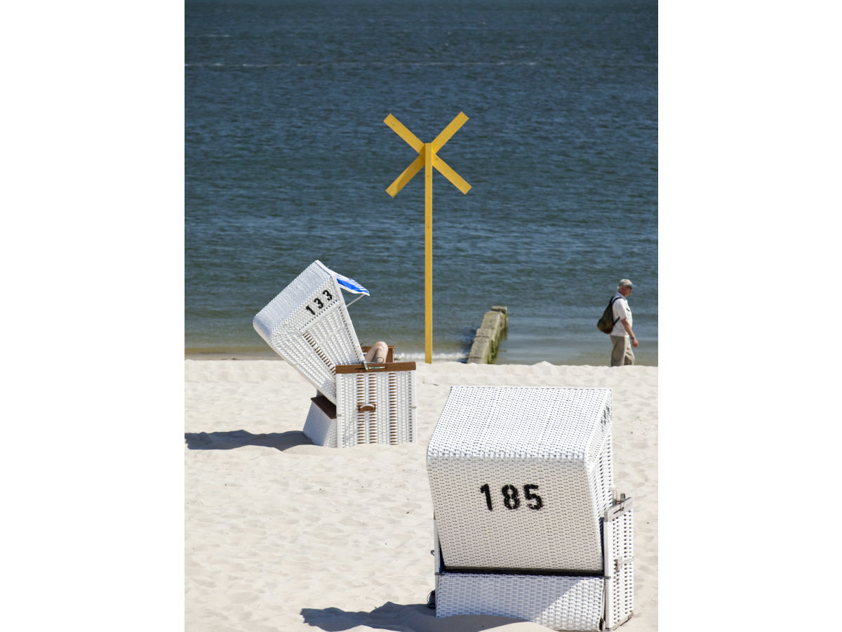 Ferienhaus raanwai 40 a rantum firma verw ges alte strandvogtei mbh frau birte clarenbach - Badezimmer strand look ...