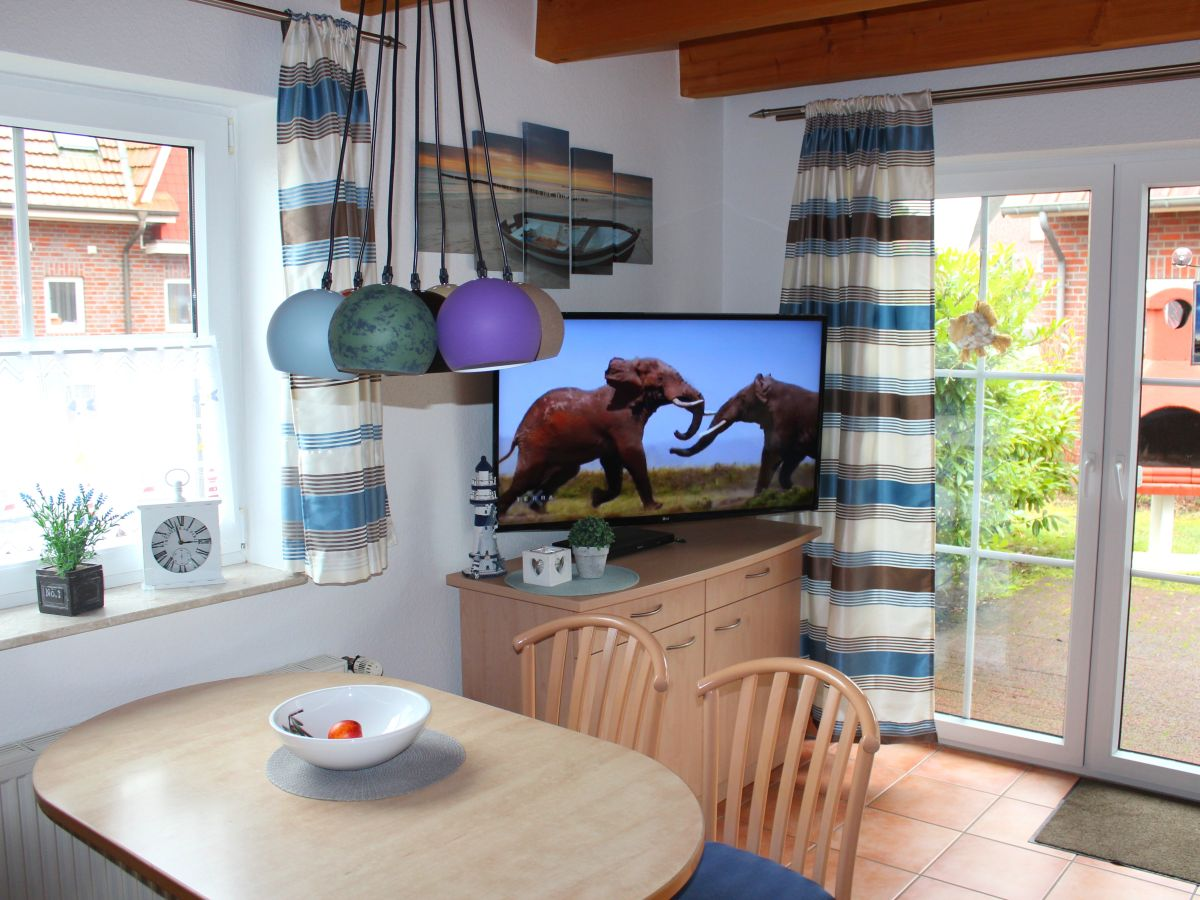 ferienhaus haus 30 im seepark burhave butjadingen nordsee. Black Bedroom Furniture Sets. Home Design Ideas