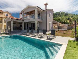Luxusvilla Fjolla with private pool