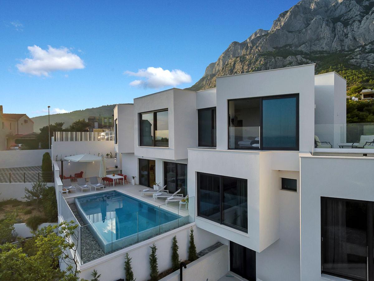 ferienhaus ctma235 makarska firma croatia tours makarska d o o frau martina viskovic. Black Bedroom Furniture Sets. Home Design Ideas