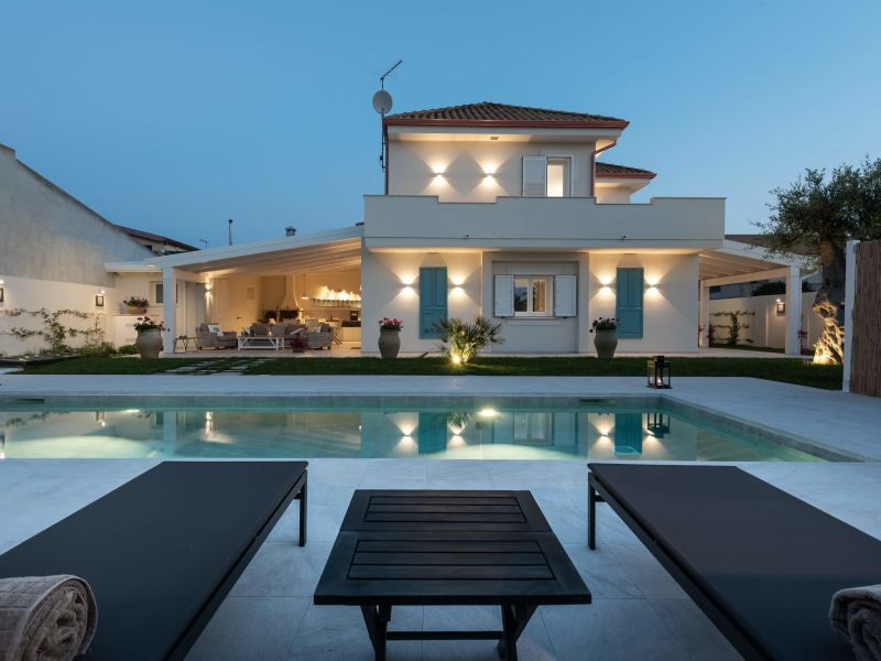 Villa at just 200mt from the sea
