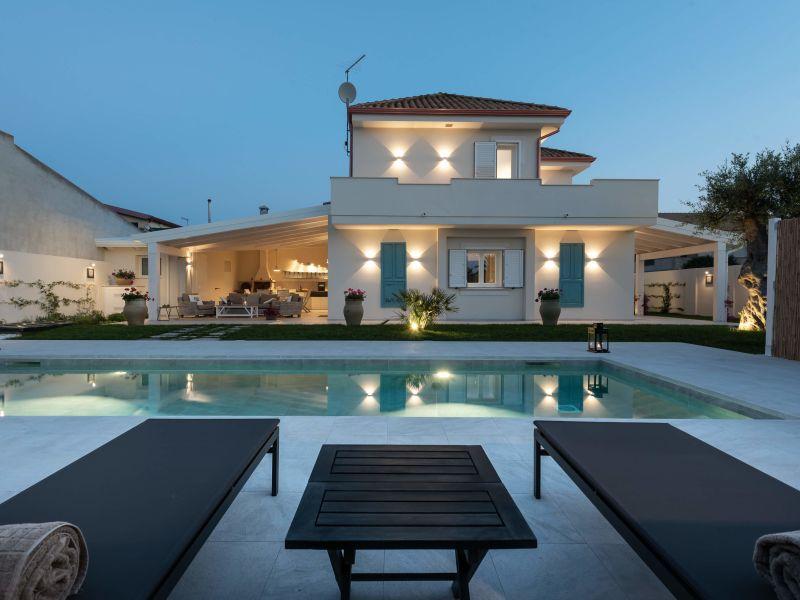 Villa nur 200 m vom Meer
