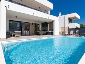 Luxus Villa in der Nähe vom Meer