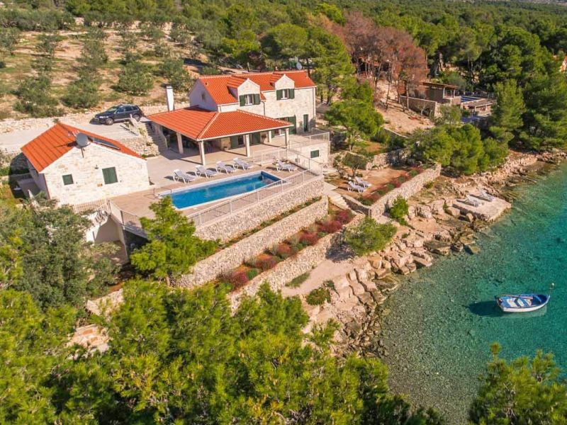 Luxury Beach Villa Milna