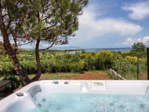 Villa Marlera mit herrlichem Meerblick und Jacuzzi