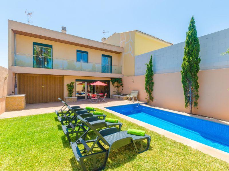 Bouganvilla Villa