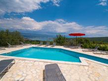 Ferienwohnung mit Meerblick,Pool,Grill