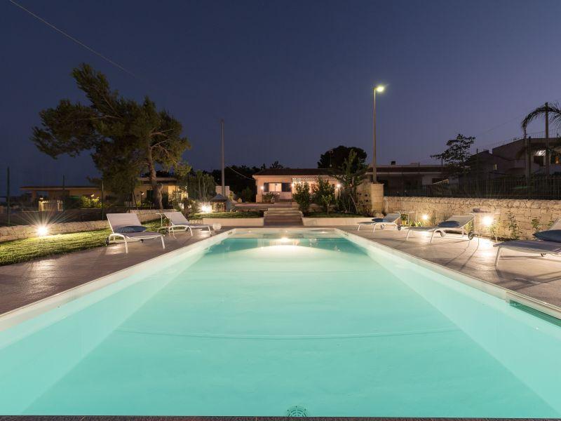 Villa mit Pool nur 150 m vom Meer