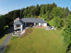 Ferienwohnung View & Garden Villa (260 m²) Schauenstein