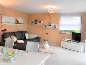 Ferienwohnung Apartment mit kleinem Garten