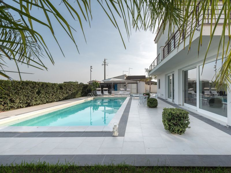 Villa with pool in Syracuse