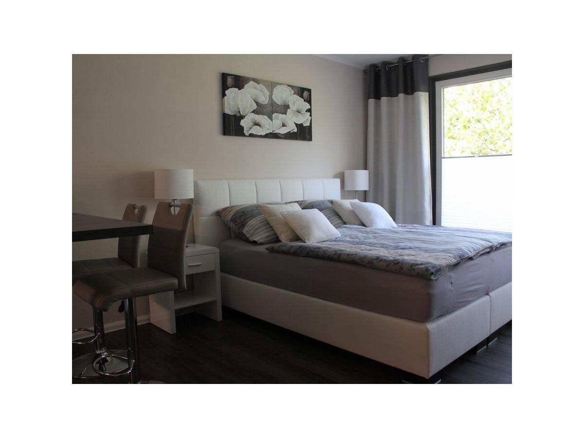 apartment elbwiesen 2 dresden altstadt frau catrin r del. Black Bedroom Furniture Sets. Home Design Ideas