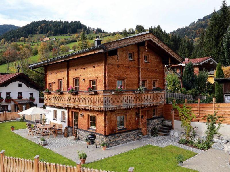 Ferienhaus 450 Jahre altes Chalet mit Zirbensauna