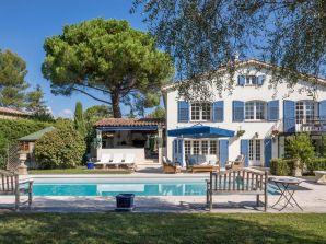 Ferienhaus Wunderschöne Familienvilla in Mougins