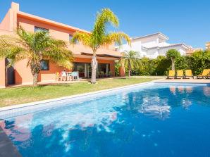 Villa RLAG44